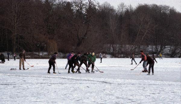 Eishockey auf dem Plötzensee