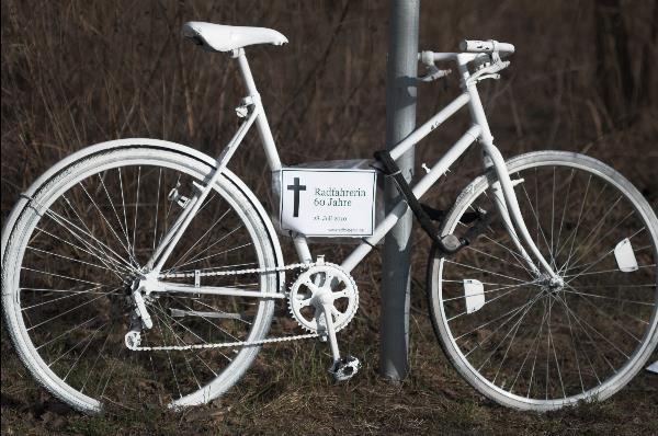Radfahrerein 60 Jahre. Tödlcher Unfall am 28. Juli 2010