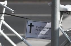Radfahrerin 71 Jahre. Tödlicher Unfall am 9. Oktober 2010