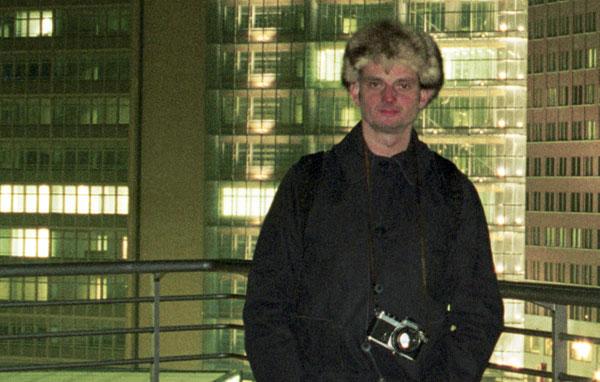 2000. Hans Martin Sewcz auf der Info-Box am Potsdamer Platz