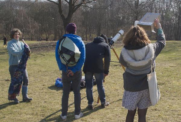 Beobachtung einer Sonnenfinsternis  2