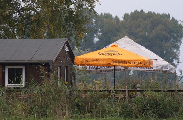Fischerhütte geschlossen. Vergebliche Hoffnung auf ein warmes Getränk