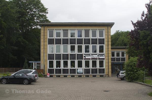 27. 6. 2013. Niedersachsen. Hemmoor. Ferienpark Kreidesee. Verwaltungsgebäude. Anmeldung und Wohnungen